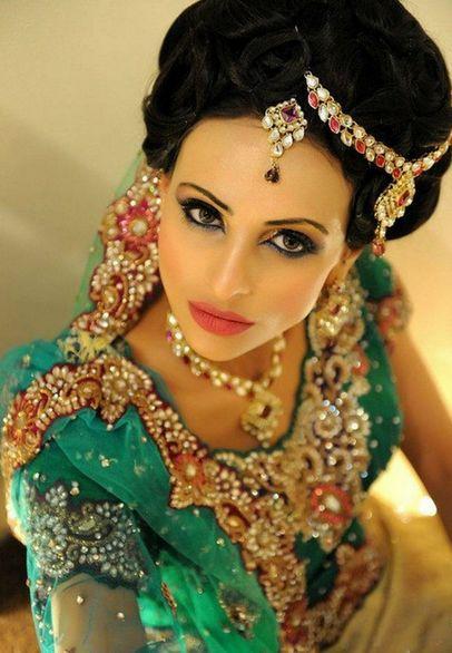 как красят губы современные индианки