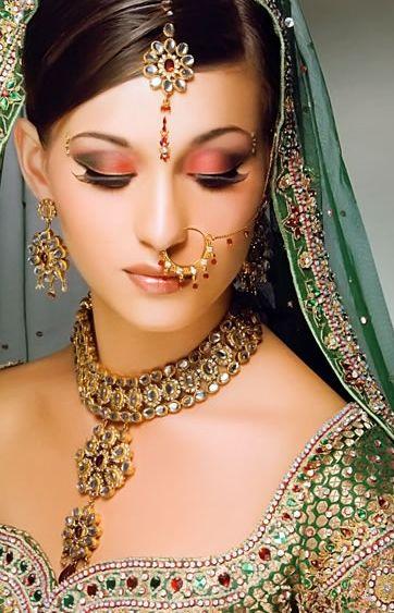Индийский макияж для девушек: пошаговое нанесение или как