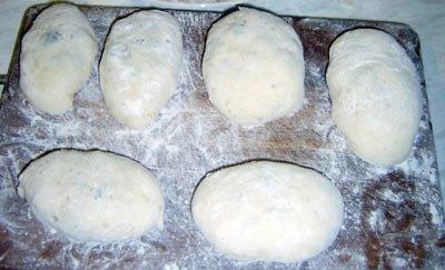 Замешиваем тесто для жаренных пирожков